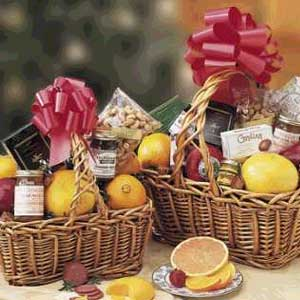 Classic Holiday Gift Basket